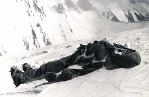 Dead body on Mount Everest