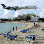 Commercial airling landing just above people's heads at Maho Beach