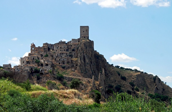 Abandoned commune in Italy (Craco)