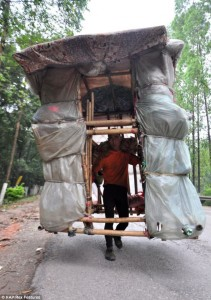 Lingchao on his travels throughout China