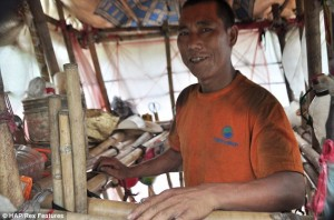 Lingchao says his portable home makes him feel free
