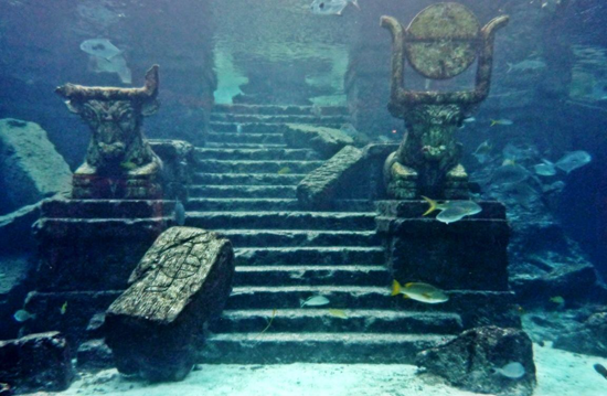 Underwater structures that look much like the remains of Atlantis