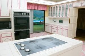 Despite the 70's-era decor, the kitchen features many modern amenities