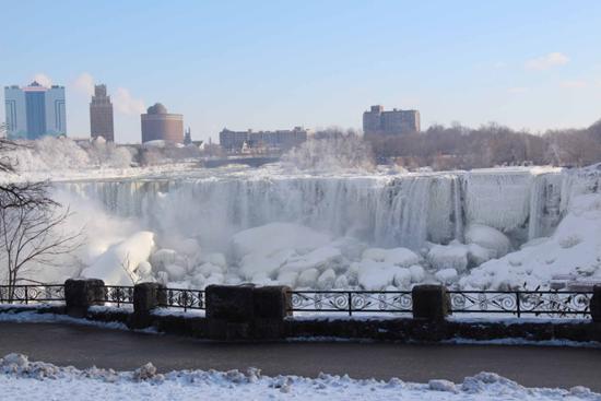 Frozen Niagara Falls (2014)
