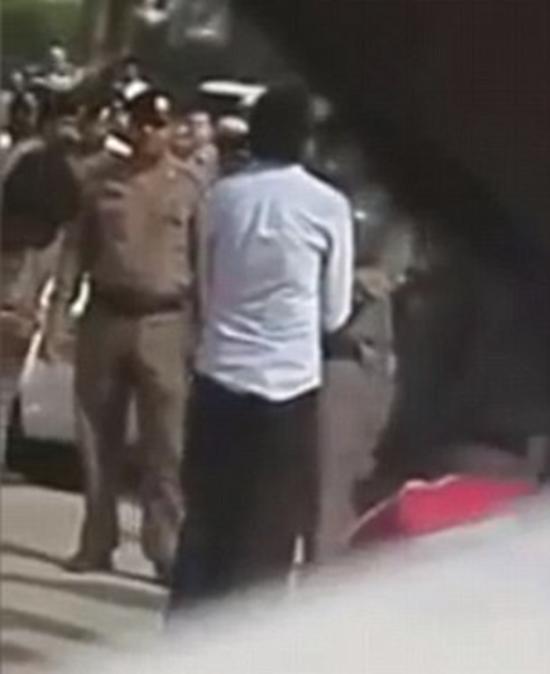 Saudi Arabian Raif Badawi receives punishment of 1,000 lashes for insulting Islam (apostasy)