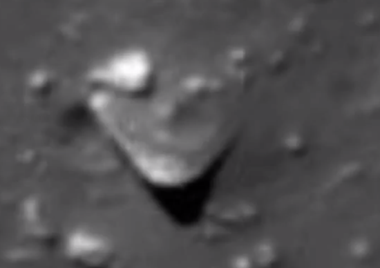 Triangle-shaped UFO object located in the Moon
