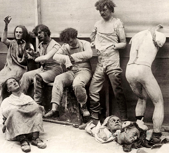 A fire at Madam Tussaud's Wax Museum left horrid broken and melted mannequins – 1930