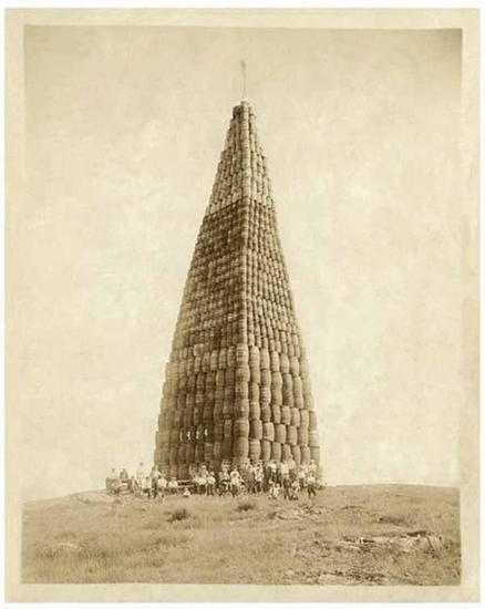 Prohibition-era barrels of alcohol to be burned – 1924.