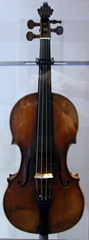 The violin lent, and later given, to Niccolo Paganini by a wealth businessman thumb