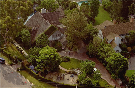O.J. Simpson's estate on Rockingham Ave before being demolished in 1998