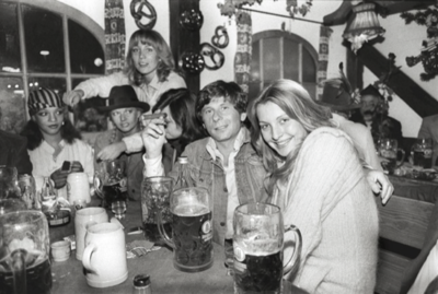 Roman Polanski partying with women during the Munich Oktoberfest in 1977