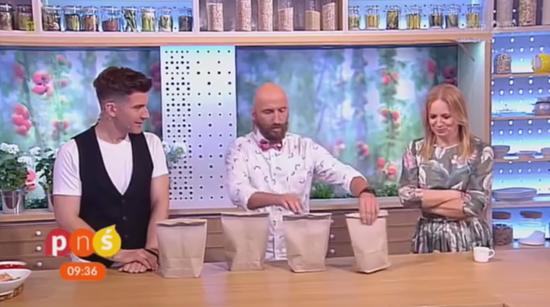 Poloniewicz shuffles paper bags