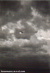 Photograph taken by Elizabeth Klarer with an old box camera of Akon's disc-shaped spaceship