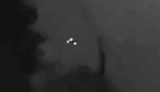 Clear video yet of a triangular-UFO, potentially the top-secret TR-3 Black Mantra black project aircraft thumb